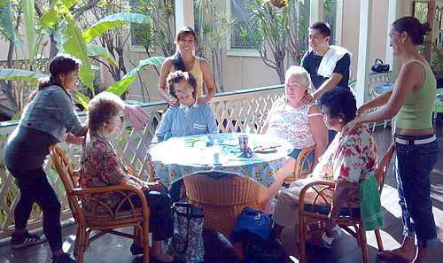 Mana Lomi Outreach - Students Massage Kupuna on Kauai's west side